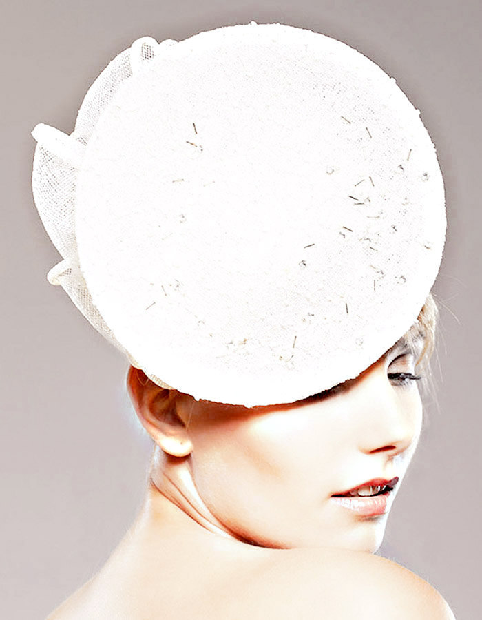 Chic-bridal-hat-2011-wedding-trends-kate-middleton-royal-wedding.full
