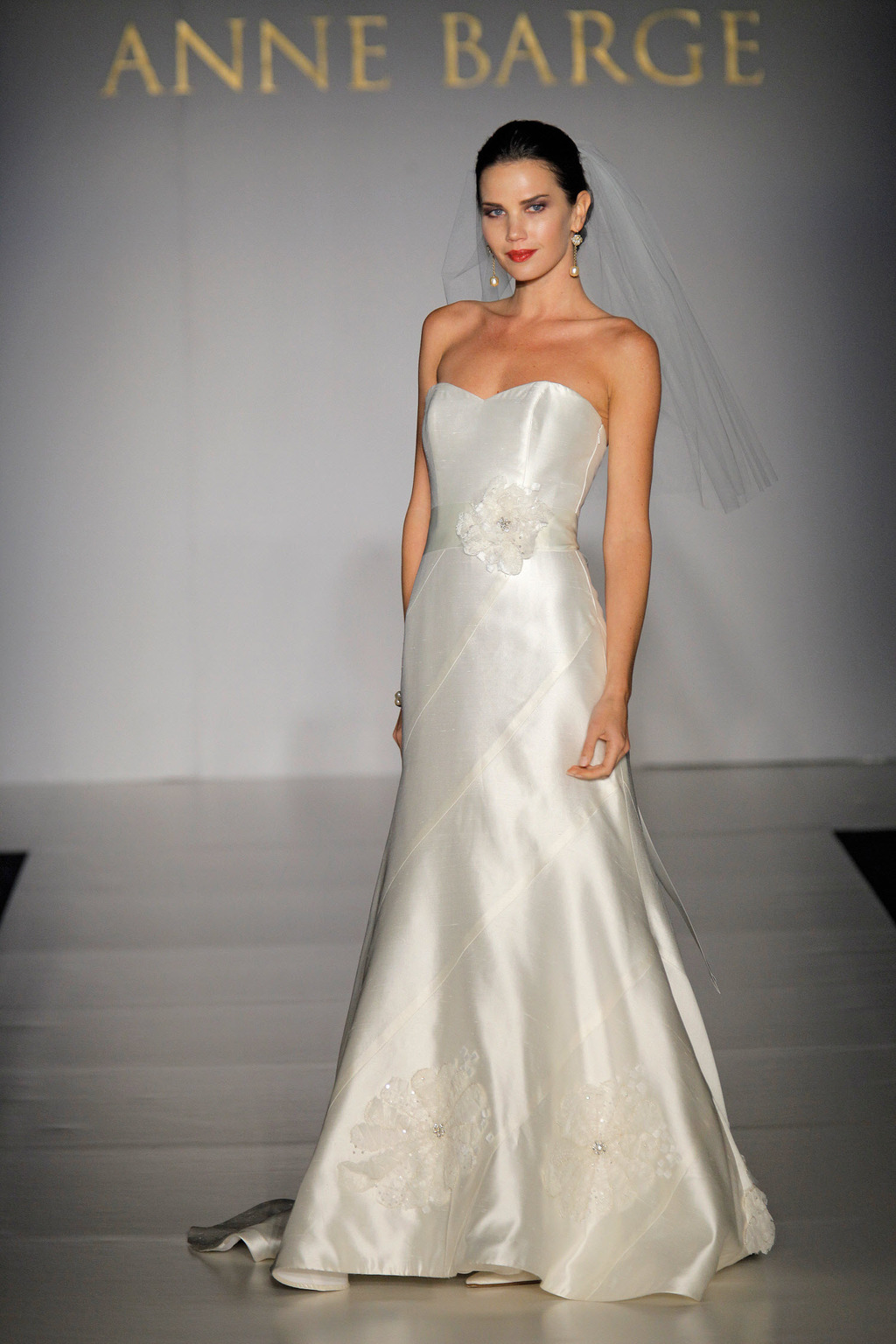 Fall-2011-wedding-dresses-anne-barge-ryan-strapless-ivory-simple-bridal-gown-floral-bridal-sash-2.full
