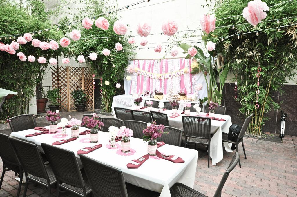 Outdoor-bridal-shower-pink-white-wedding-theme-hello-kitty.full