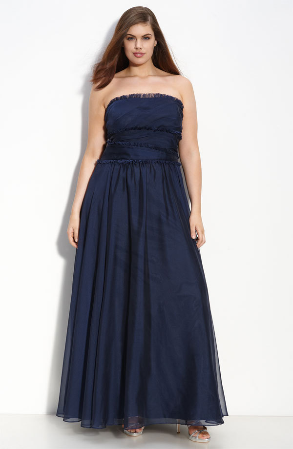 Elegant strapless long deep navy blue plus size bridesmaid for Blue wedding dresses plus size