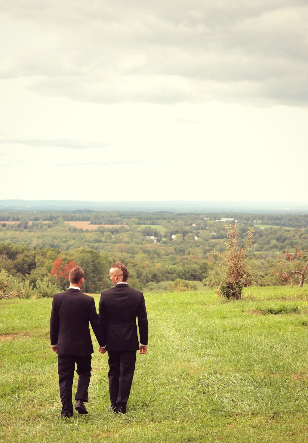 Wedding_couple_with_fantastic_conneticut_view.full