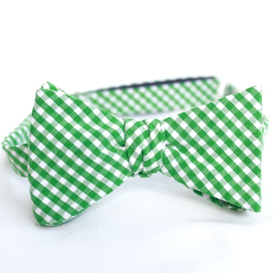 Country chic green and white gingham bow tie for preppy grooms