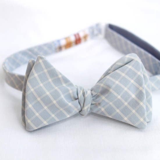 Baby blue and ivory lattice patterned bow tie for groom and groomsmen