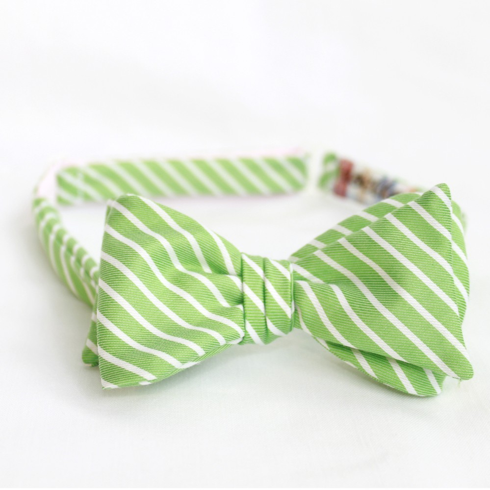Lime-green-white-striped-bow-tie-grooms-attire-formalwear-spring-summer-wedding.original