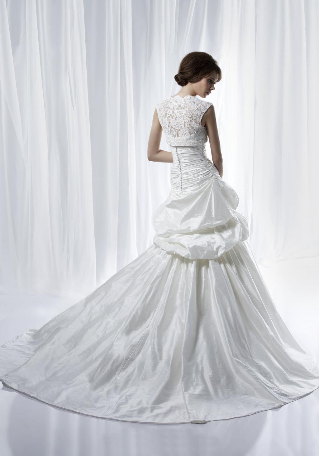 Romantic-wedding-dresses-2012-bridal-gown-lace-bolero-cap-sleeves-c112c.full