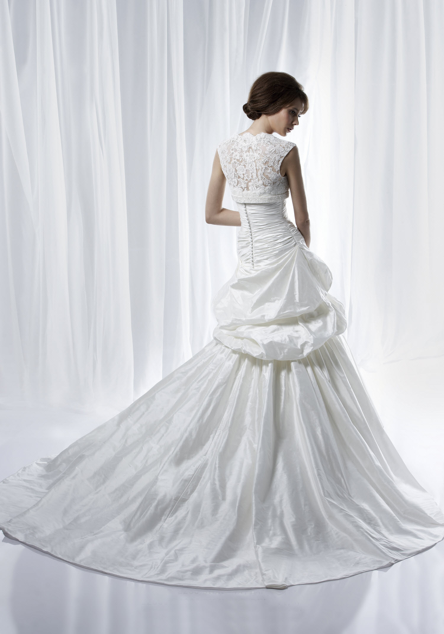 Dramatic And Timeless Wedding Dress By Anjolique With