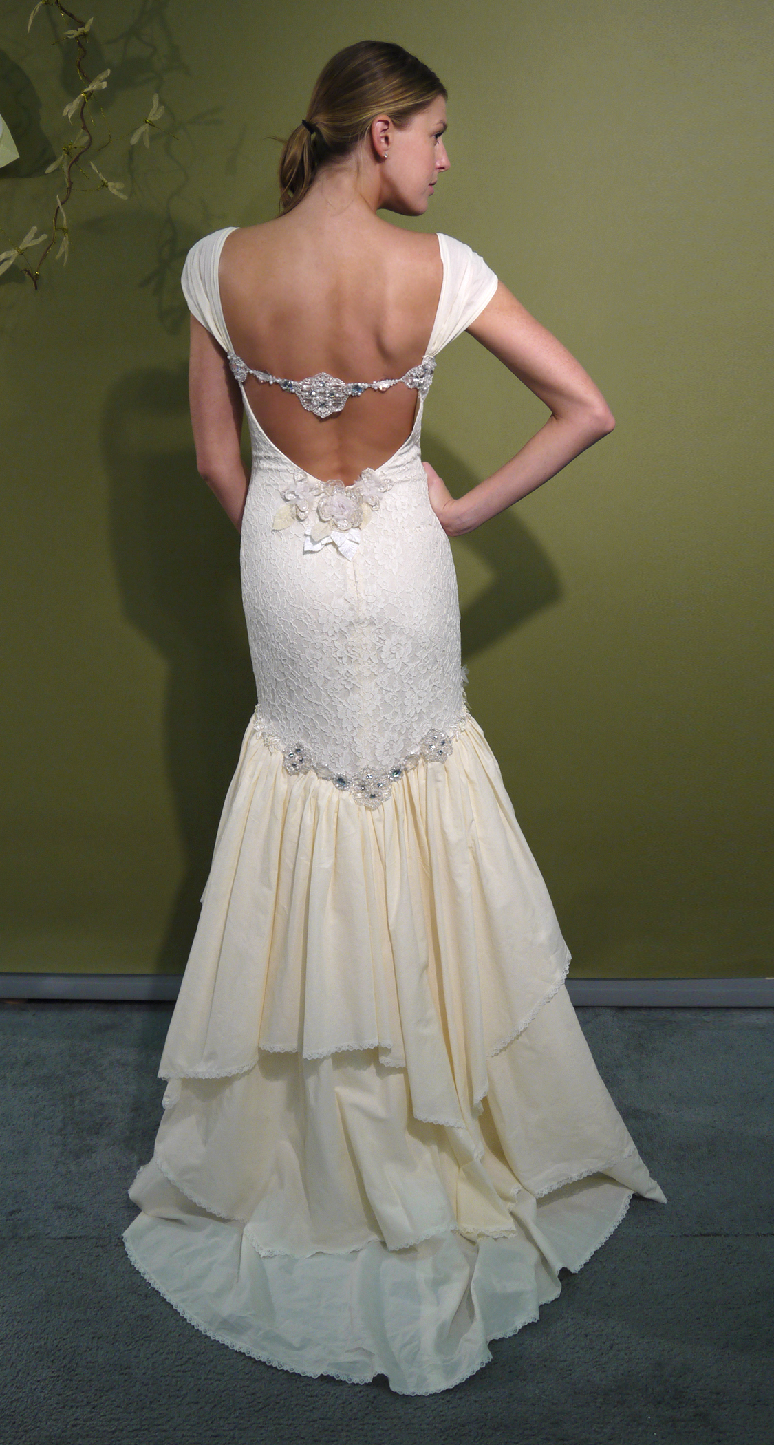 Ivory mermaid claire pettibone wedding dress with beading for Lace wedding dresses open back