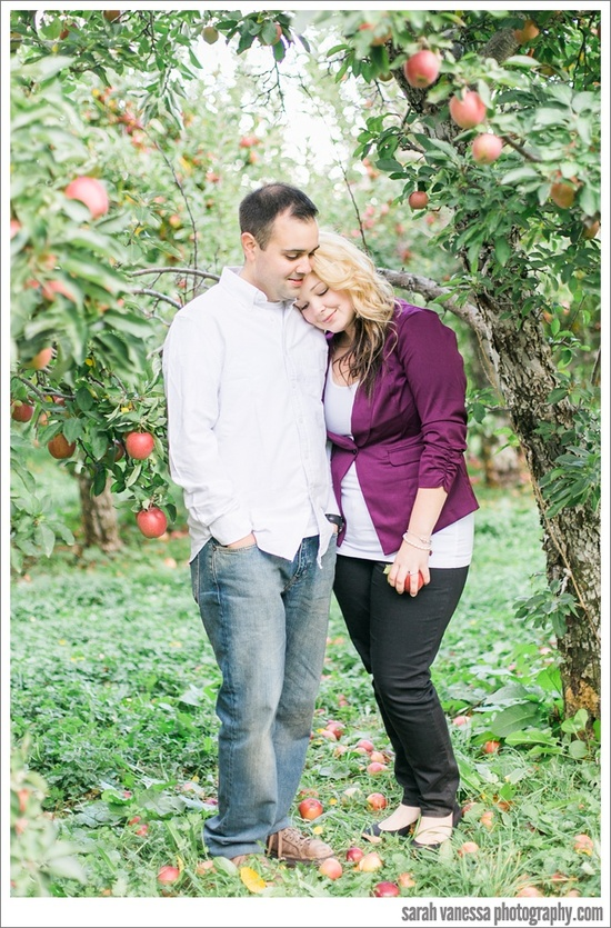 SarahVanessaPhotography-Applecrest-Farm-Hampton-Falls-NH-Engagement-Session_0008