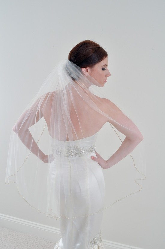 Fingertip length tulle bridal veil on Etsy