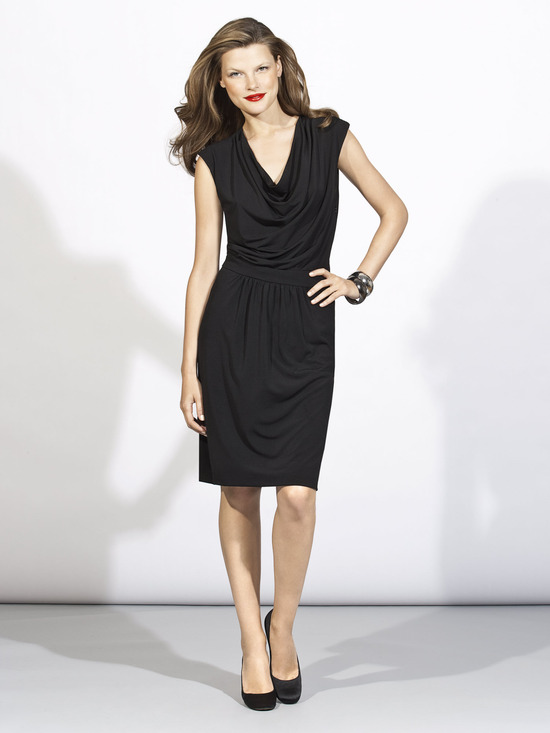 Chic above-the-knee v-neck little black dress for your bridesmaids