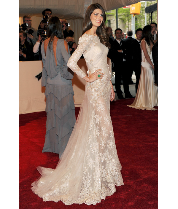 Chic modified a-line lace long sleeved wedding dress at 2011 Met gala ...