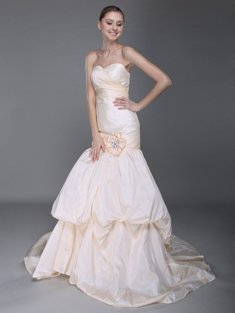 Sweet Heart Taffeta Pleated A Line Train Pick ups Wedding Dress