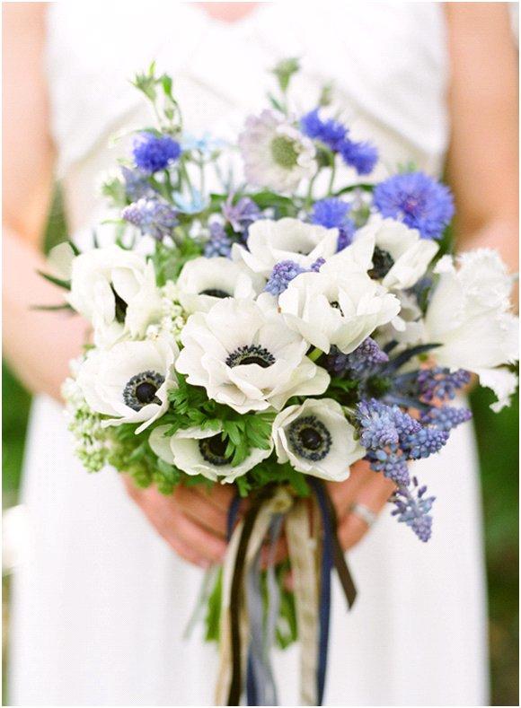 Summer-wedding-inspiration-peonies-wedding-flowers-blue-white.full