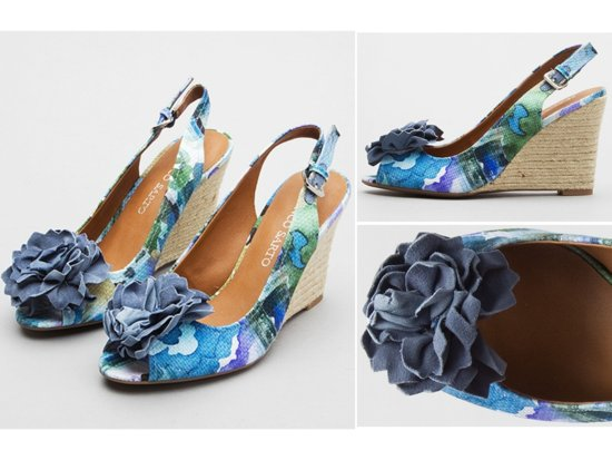 Simple blue patent pointy toe flat bridal heels with gold bow