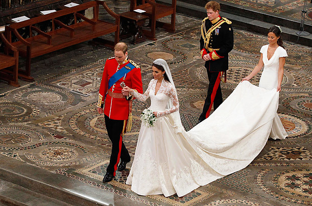 Kate-middletons-wedding-dress-sarah-burton-royal-wedding-prince-william-ceremony-gown-train.full