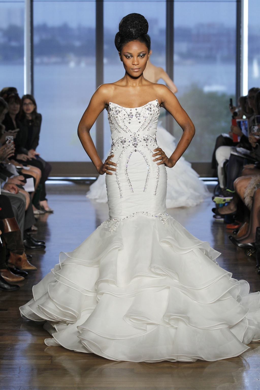 Aura_by_ines_di_santo_2014_couture_collection_.full.full