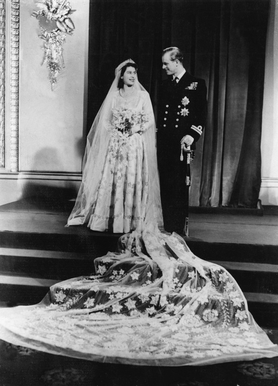 Princess Elizabeth's wedding photo with dramatic train