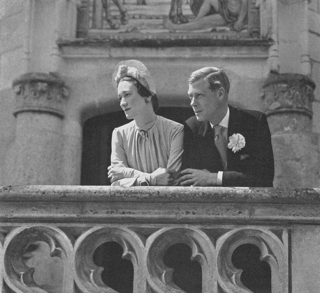 Royal wedding dresses throughout history and the famous for Balcony history