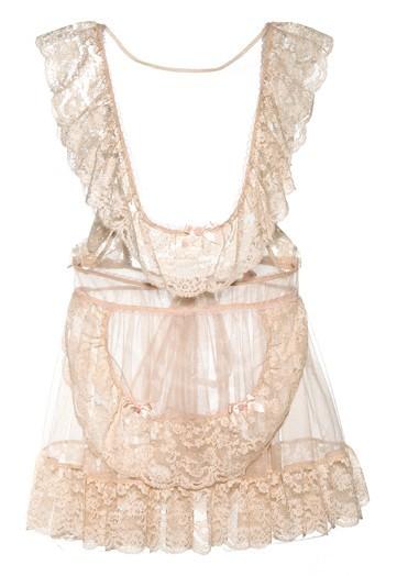 Bridal-lingerie-trendy-ruffles-2011-wedding-trends-4.full