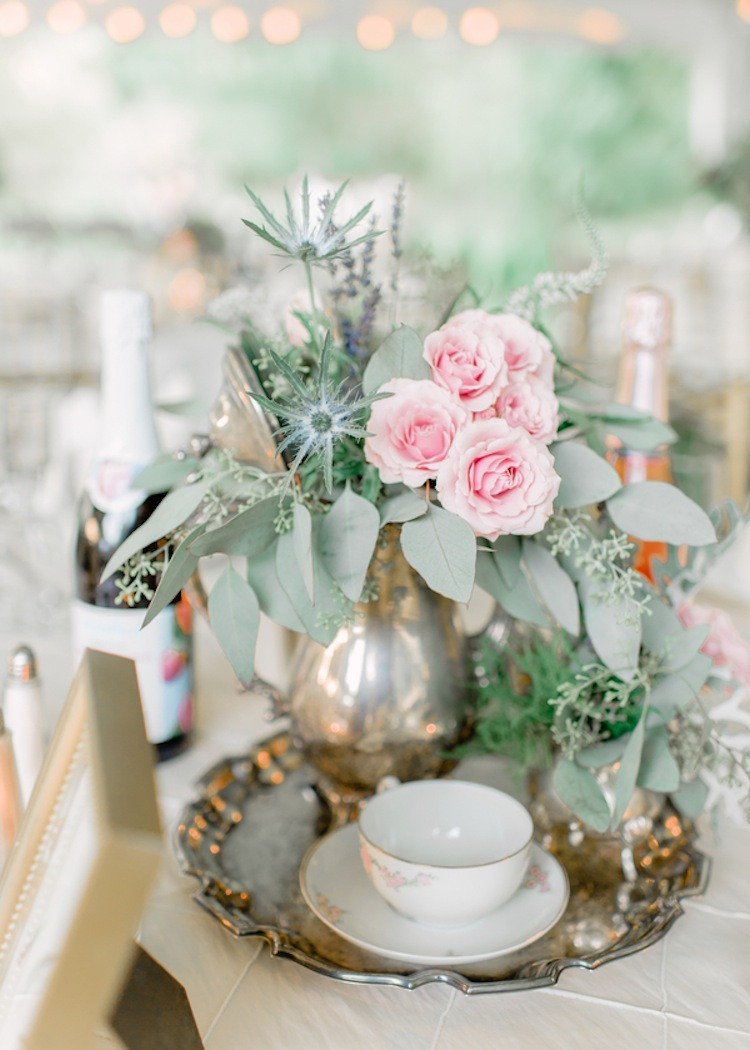 Old_world_centerpieces_with_gold_and_roses.full