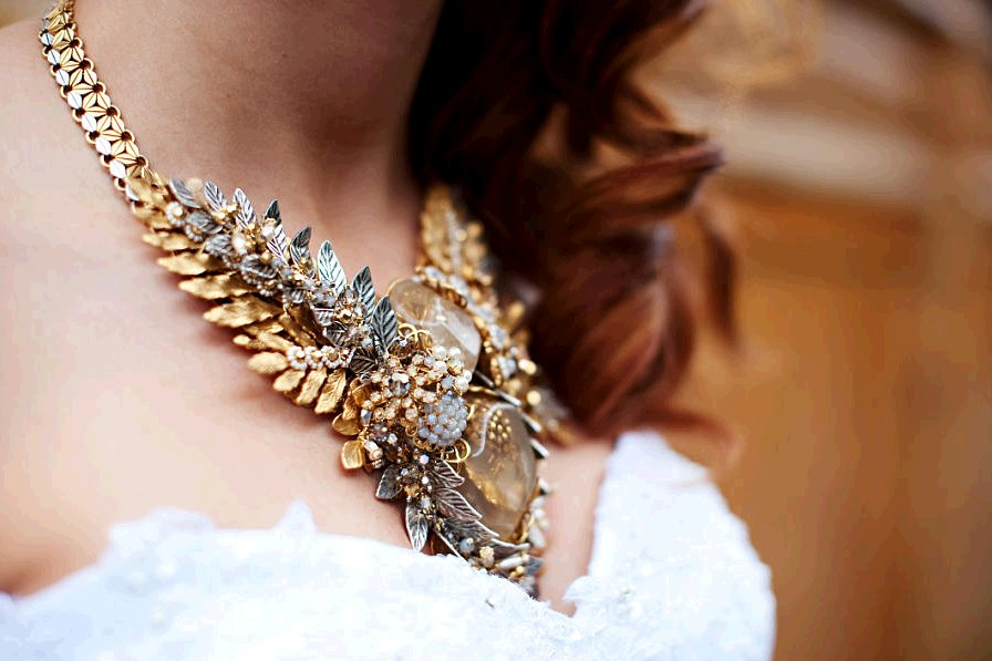 Royal-wedding-planning-how-to-bridal-style-statement-necklace.full
