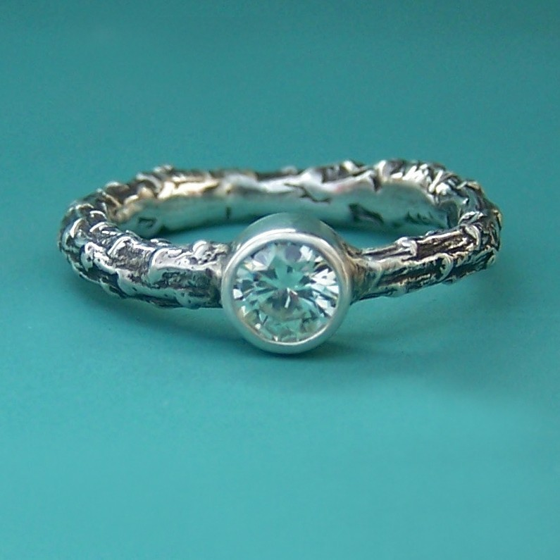 Eco-friendly-engagement-ring-romantic-style-round-diamond-etsy-weddings.full