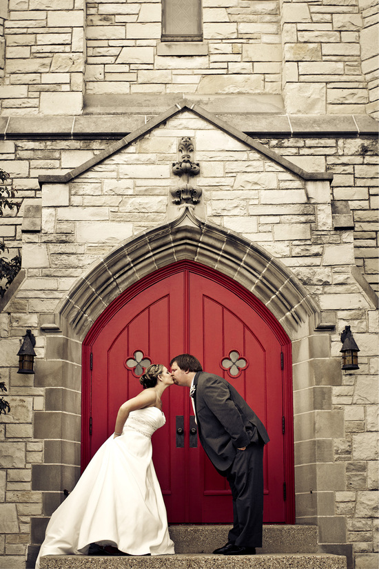 peer_canvas_wedding_photography_red_door_rockford_beloit