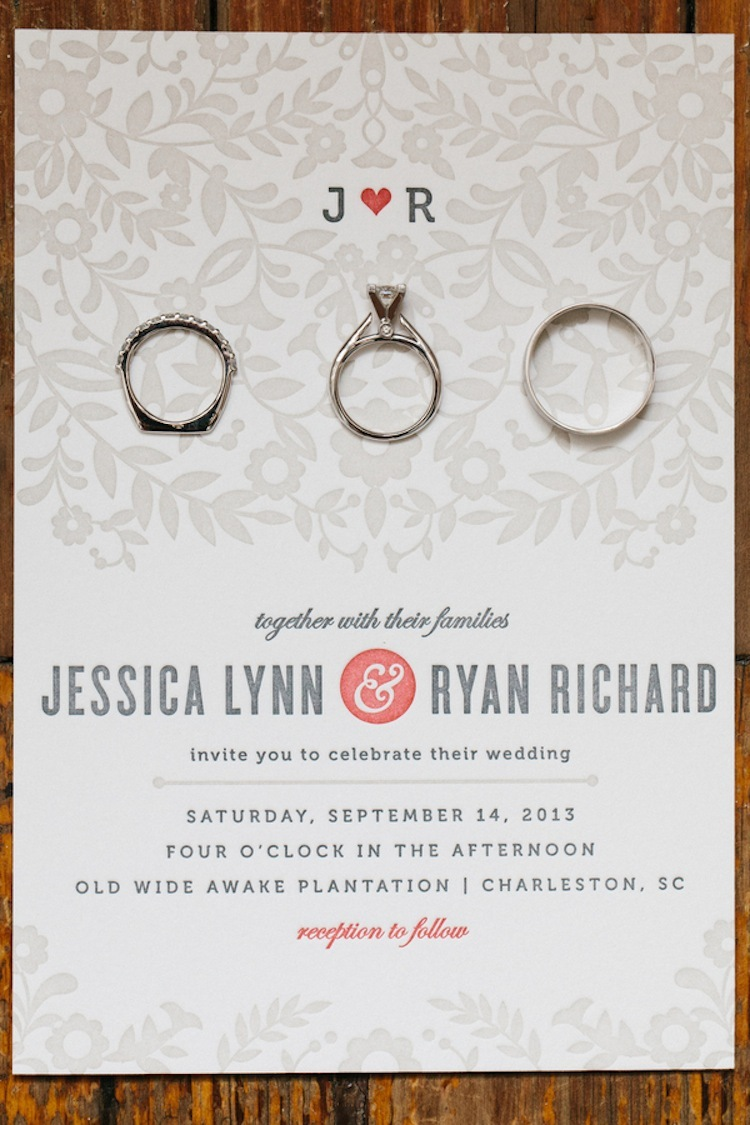 Letterpressed_wedding_invitation_and_rings.full