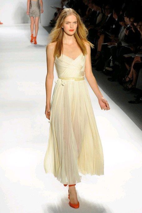 Romantic-wedding-dresses-v-neck-wrap-style-bridal-belt.full
