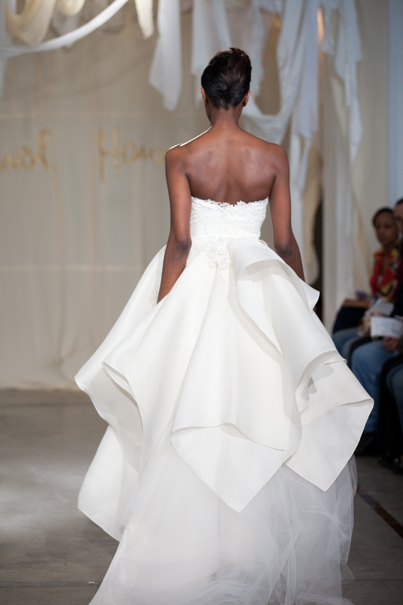 White-wedding-dress-spring-2012-bridal-gowns-lace-corset-back.full