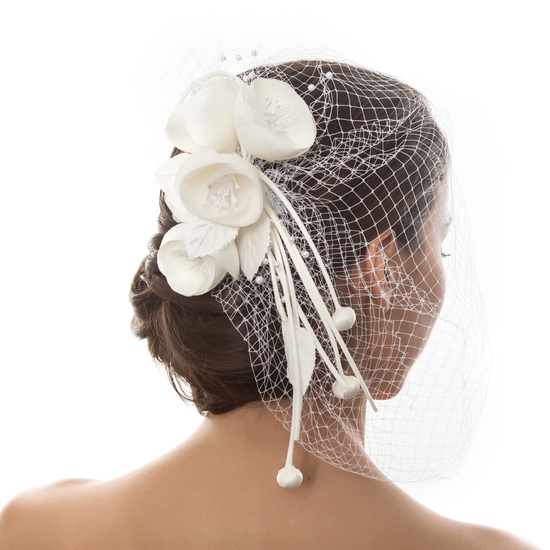 DELILAHK IVORY ROSE FASCINATOR
