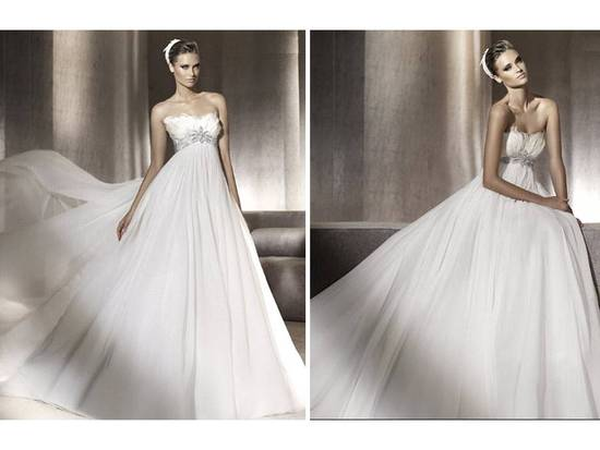 Romantic 2012 Pronovias wedding dress with crystal detailing