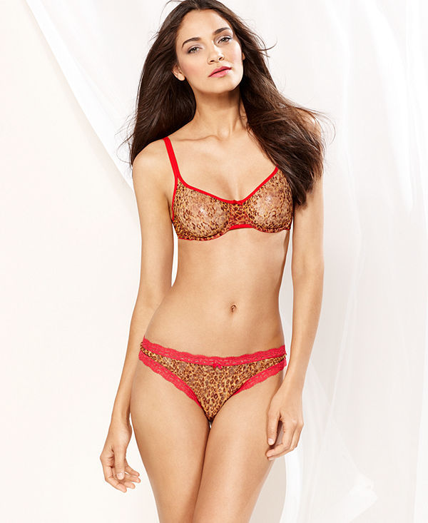 a7c72d7583 DKNY Signature Lace Underwire Bra and Thong