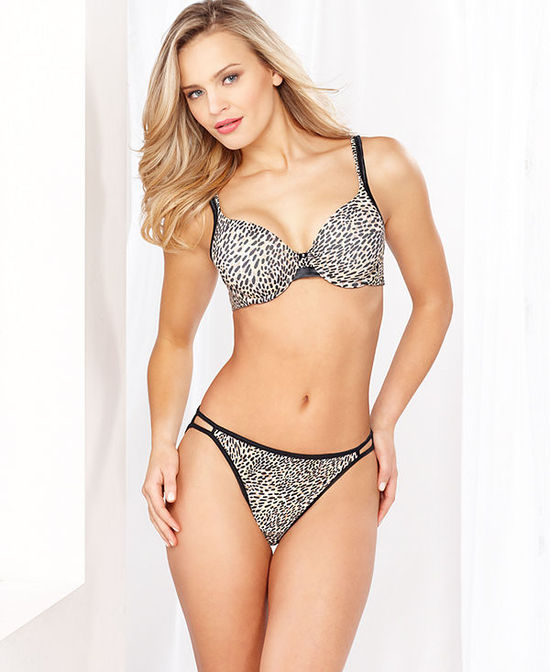 Vanity Fair Illumination Full Coverage Underwire Bra and String Bikini