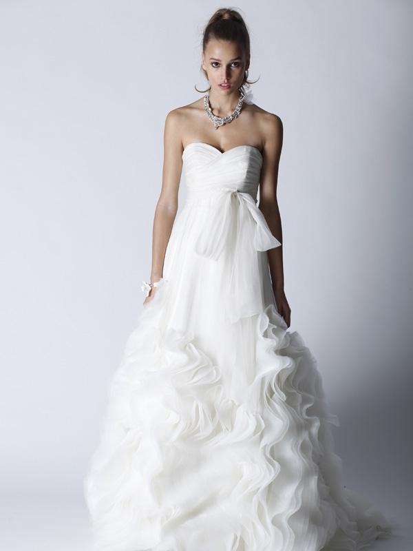 Fall-2011-wedding-dresses-white-sweetheart-neckline-empire.full