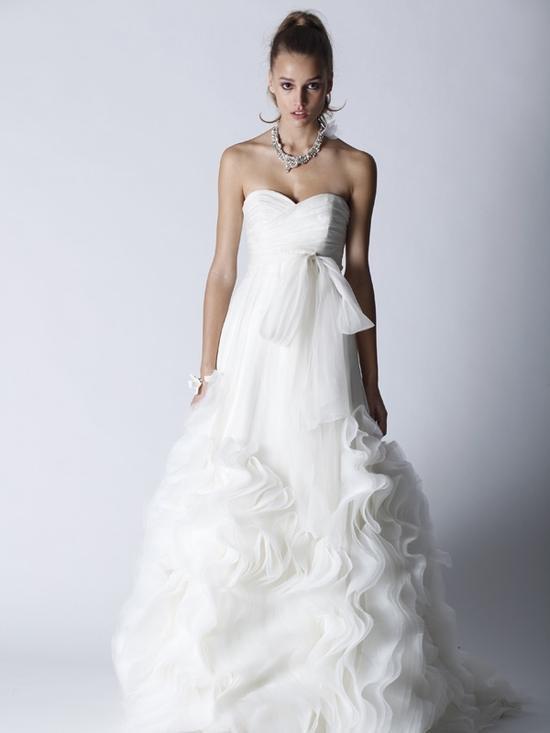 Romantic ivory Fall 2011 sweetheart neckline wedding dress
