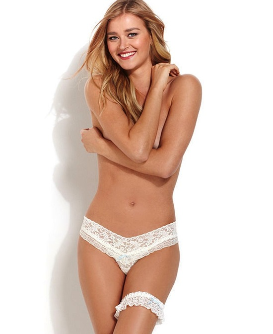 Macy s Hanky Panky Rosalyn Low Rise Thong And Boxed Garter