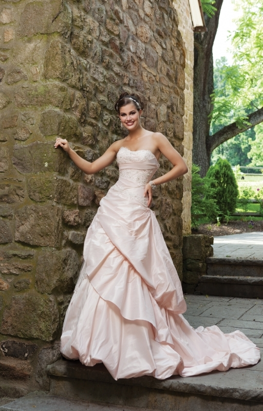 2011 classic a line wedding dress in light pink with pickup