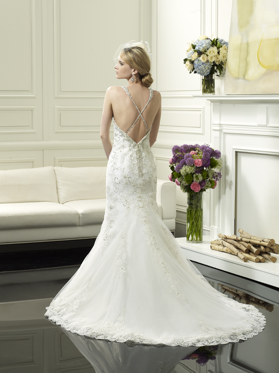 Wedding_gown_from_moonlight_couture_1.full