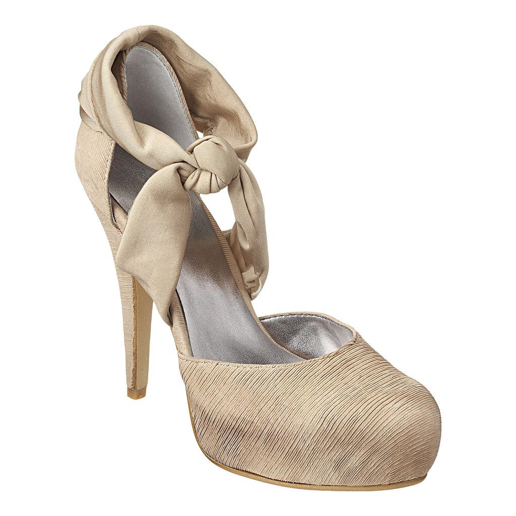 2011-bridal-heels-trilla-closed-toe-platform-wedding-shoes-romantic.full