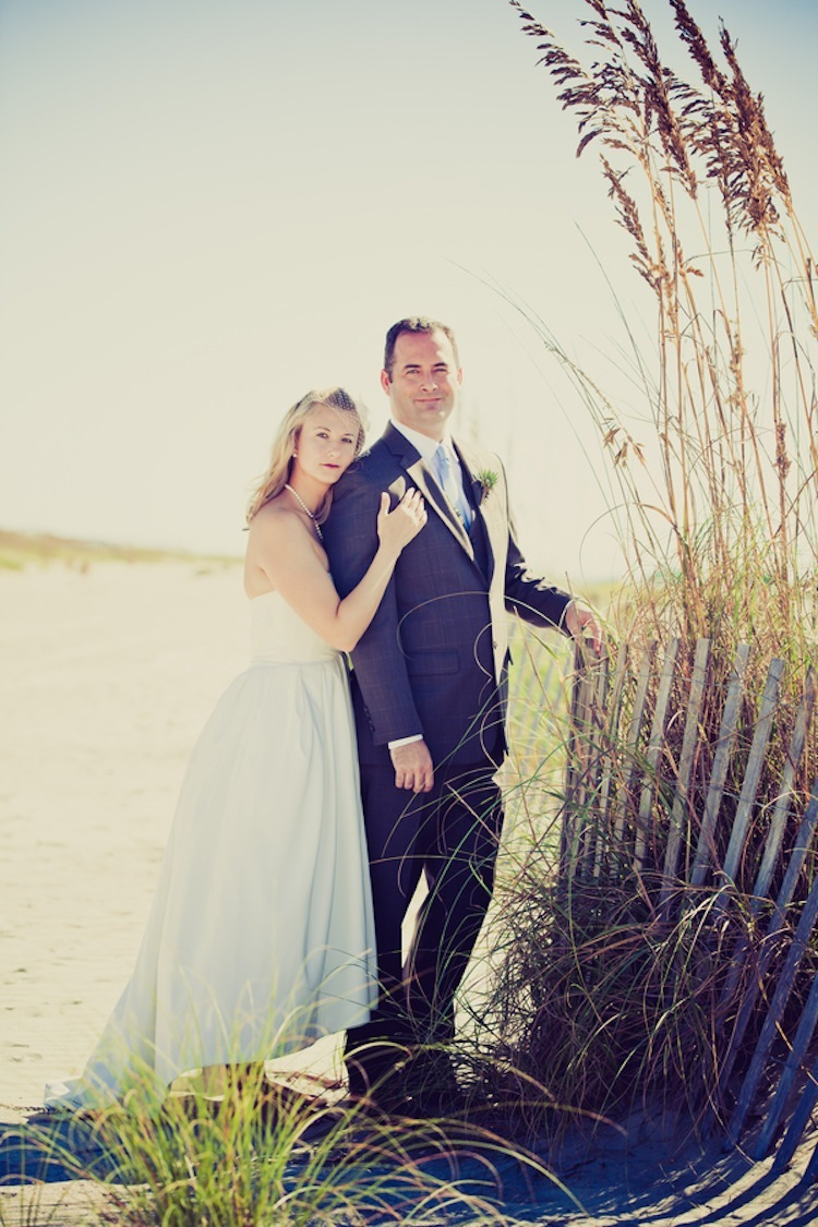 Real_wedding_couple_on_the_beach.full