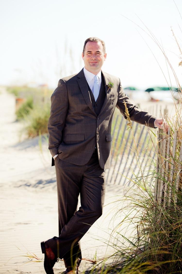 Summer_beach_wedding_groom.full