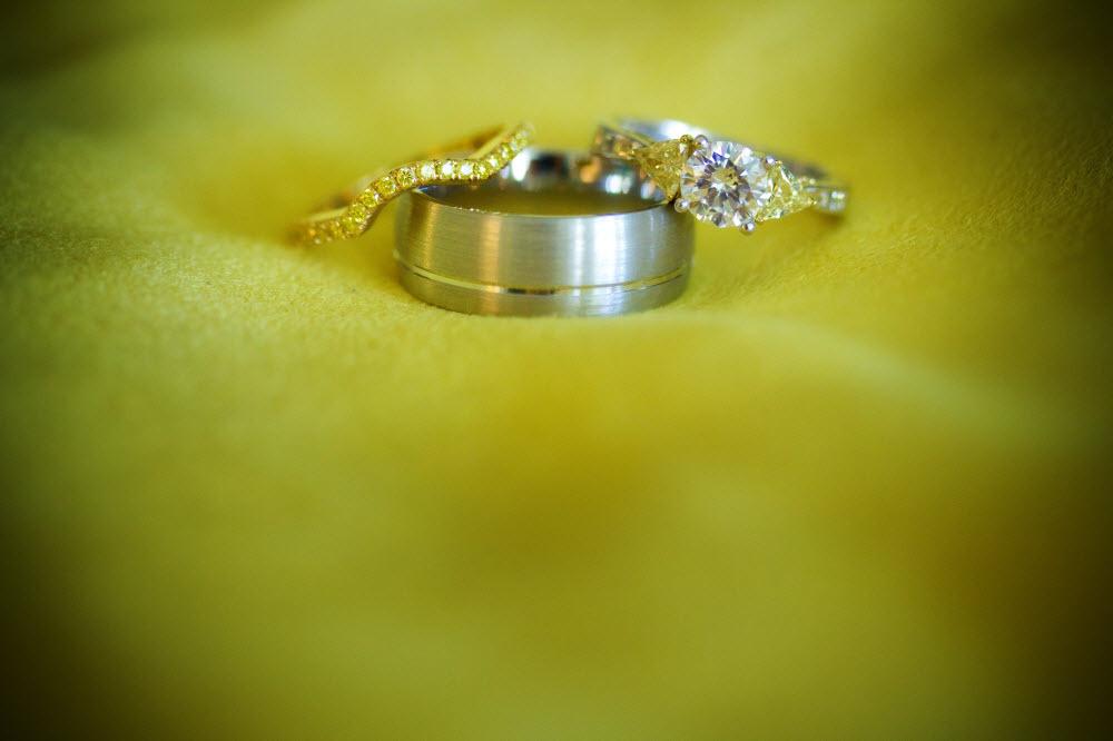Diamond-wedding-ring-engagement-rings-grooms-wedding-band-2.full