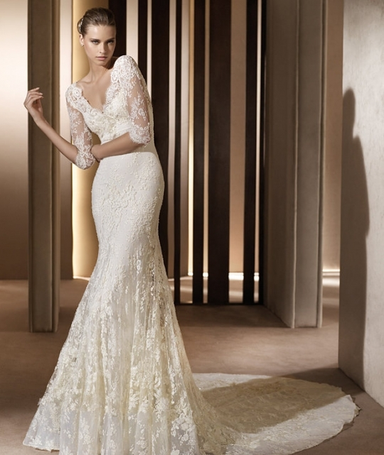Romantic lace mermaid Elie Saab wedding dress