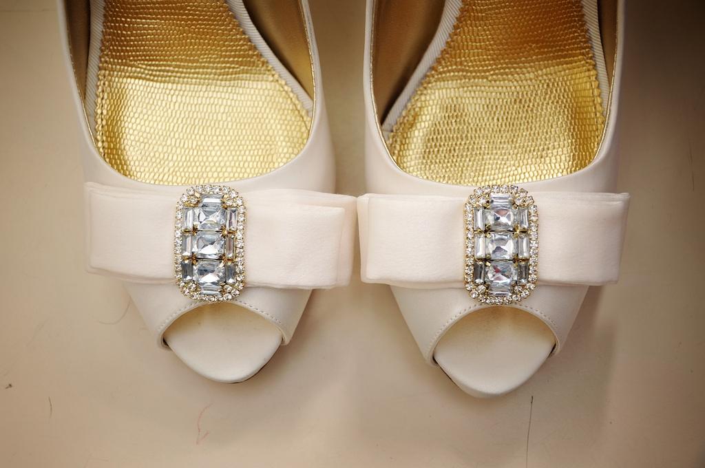 Fall-wedding-bridal-heels-peep-toe.full