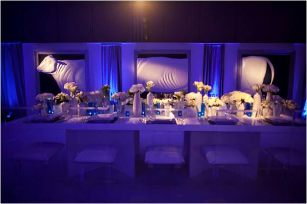 Something-blue-white-wedding-flowers-reception-centerpieces-lighting-modern-wedding-style_0.original