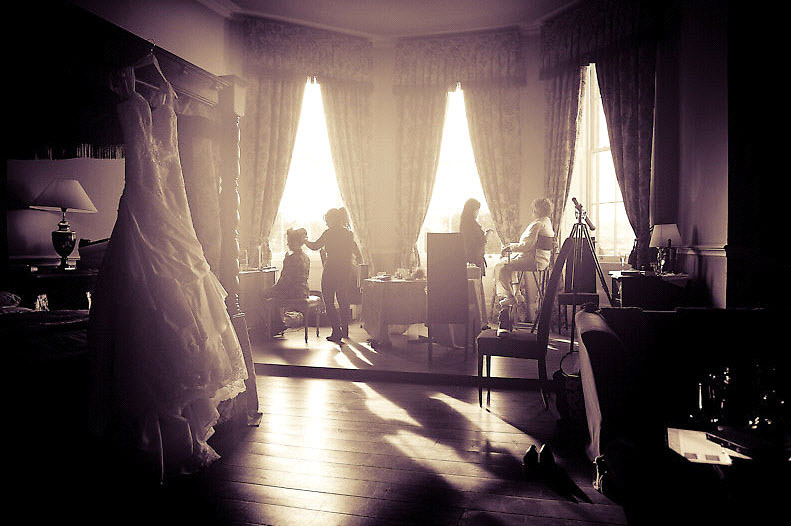 Real-irish-wedding-ivory-wedding-dress-lace-bride-gets-ready.full