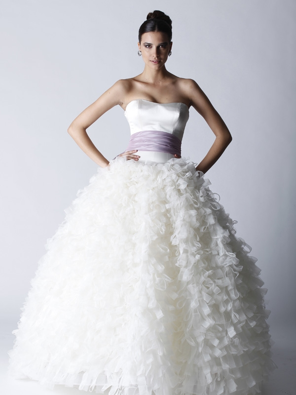 Black-swan-wedding-dress-full-ballgown-skirt-bridal-sash.original