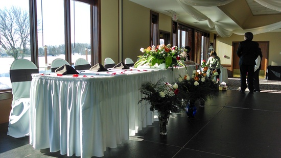 wedding setup headtable 1