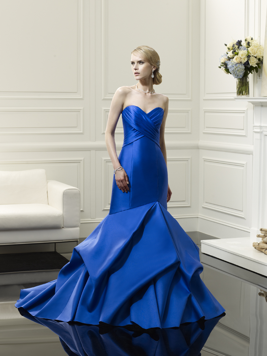 Blue_mermaid_wedding_gown_from_val_stefani.full